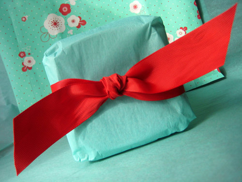 9 in Impressive Gift Package Design Inspiration for Christmas
