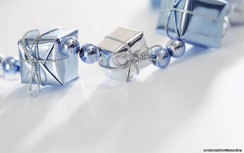 Wallpaper-christmas-presents-white-blue in Beautiful Christmas and Winter Wallpapers For Your Desktop