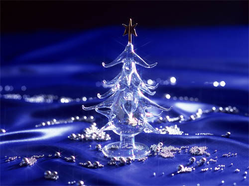 Wallpaper-christmas-tree-crystal-blue in Beautiful Christmas and Winter Wallpapers For Your Desktop