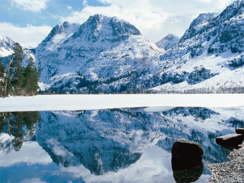 Wallpaper-landscape-winter-mountains-lake-reflection in Beautiful Christmas and Winter Wallpapers For Your Desktop