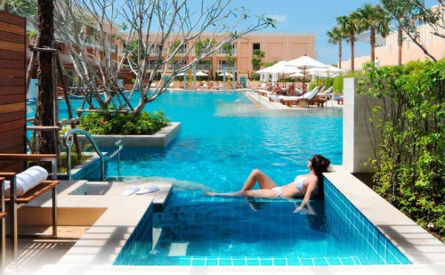 Hotels in phuket 3 awesome design concepts noupe for Pool design concepts