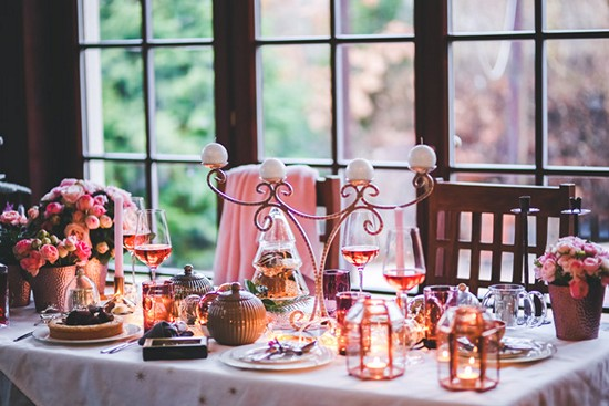 kaboompics.com_Beautiful-Christmas-table-setting