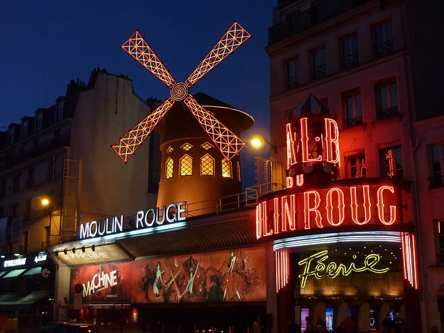 moulin-rouge-392147_640