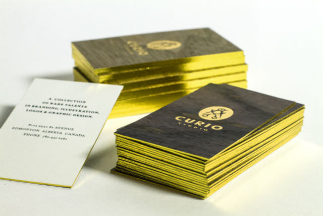 businesscards-darkwalnut-wood-cards-gold-foil-w640