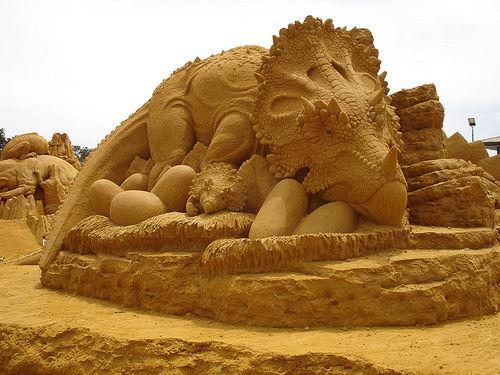 40 unbelievable sand sculptures