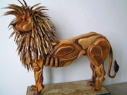Image: Thomas-Carvings - The Majestic Lion