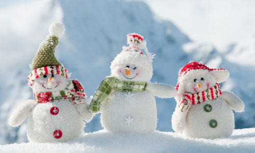Happy Three Snowmen Wallpaper